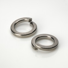 DIN 7980 Single Coil Square Section Spring Washers - BZP & Stainless Steel